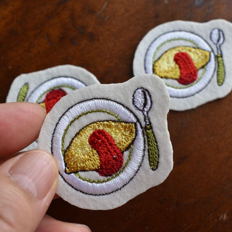 オムレツ刺繍ハンド