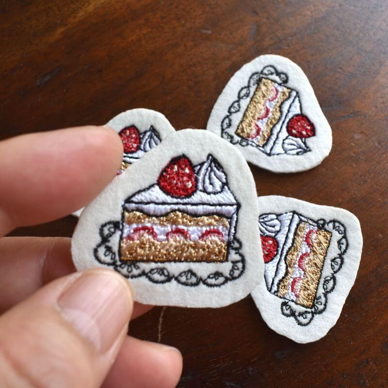 イチゴショートケーキ刺繍ハンド