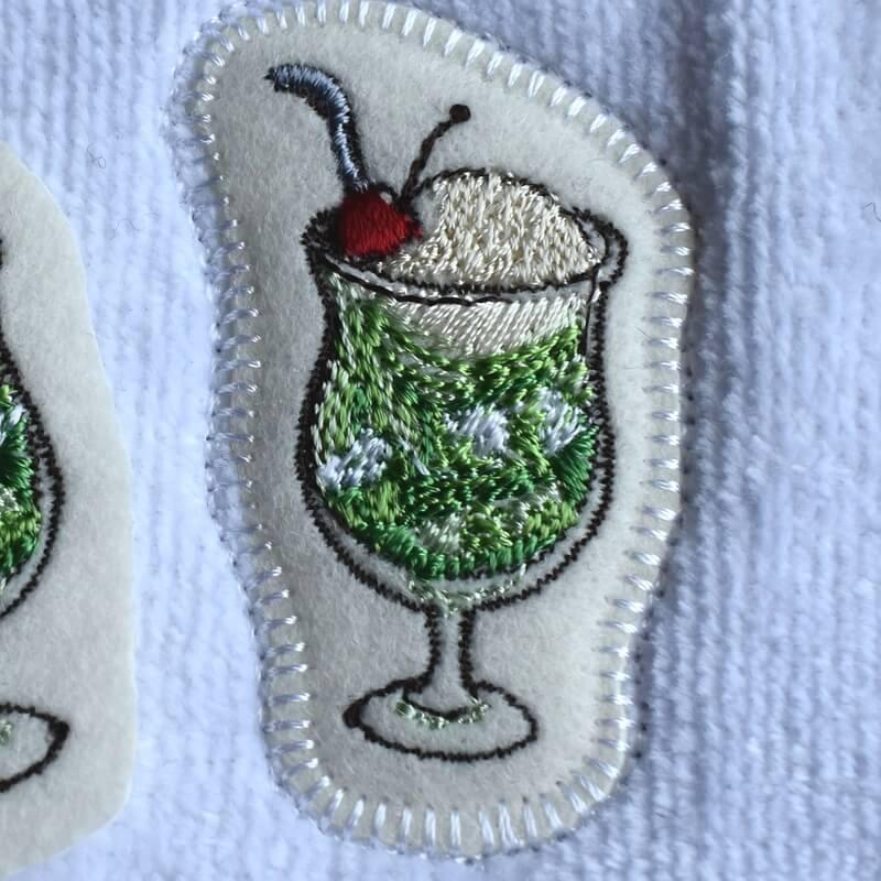 クリームソーダ刺繍ハンカチイメージ
