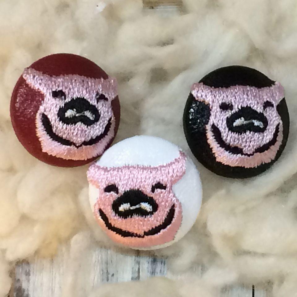 子ブタ[ピンク]刺繍ボタン3種
