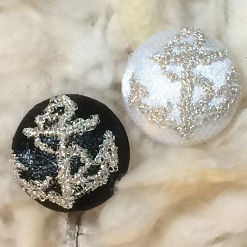 イカリ[銀]刺繡ボタン2種