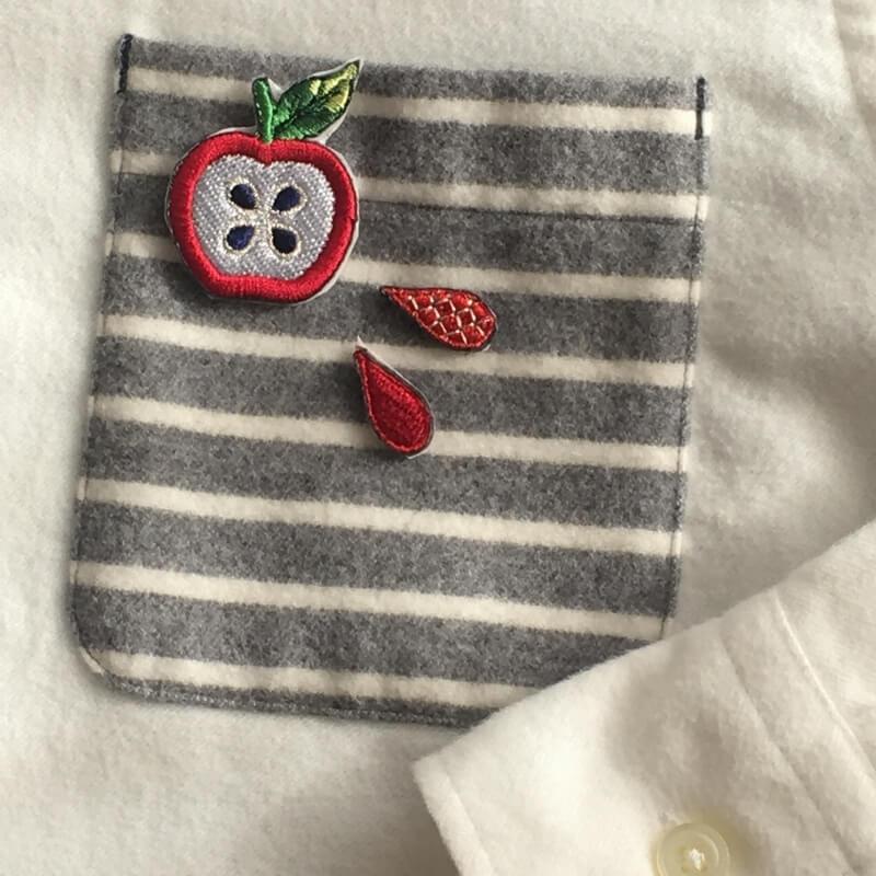 刺繍ワッペン/リンゴポケット