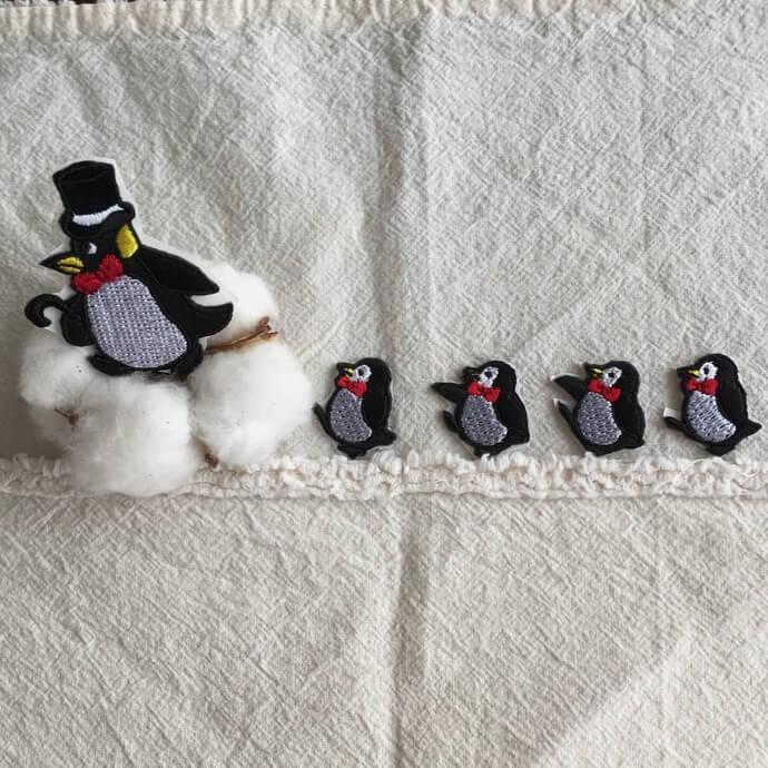 刺繍ワッペン/ペンギンニット帽シルクハット紹介