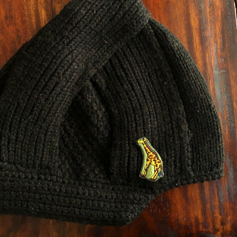 虹色キリン刺繍ニット帽