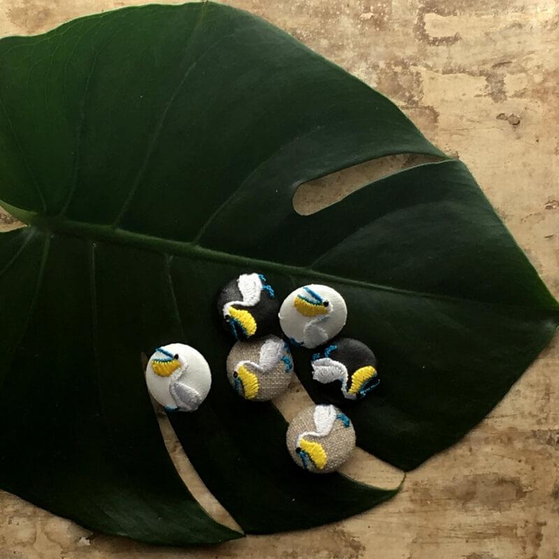 ペリカン22刺繍ボタン葉っぱ