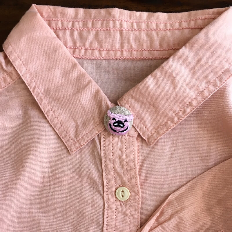 子ブタフェイス22刺繍ボタンシャツ