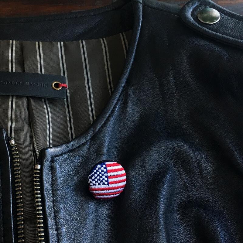 国旗22刺繍ボタン革ジャン